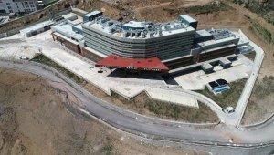 Tam teşekküllü devlet hastanesi 4 yıldır hizmete açılamadı