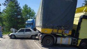 TIR ile çarpışan otomobildeki kadın öldü, eşi yaralı - Bursa Haberleri
