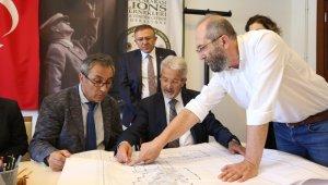 Turgay Erdem açılışa hazırlanan projeleri inceledi - Bursa Haberleri
