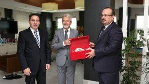 Vali Canbolat'tan Başkan Erdem'e ziyaret - Bursa Haberleri
