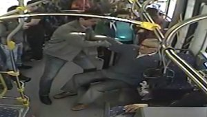 Yaşlı adam otobüste kalp krizi geçirdi, şoför acile çekti - Bursa Haberleri