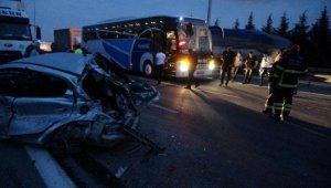 Yola dökülen gübre faciaya sebep oldu... 6 araç çarpıştı, Ölü ve yaralılar var