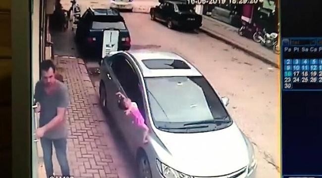 2 yaşındaki çocuk 3'üncü kattan düştü, burnu bile kanamadı