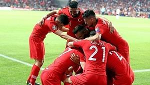 A Milli Takımımız, Fransa karşısında 2-20 galibiyet ile tarih yazdı!
