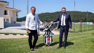 """Abdullah Avcı: """"Beşiktaş'ın teknik direktörü olmanın ayrıcalığını insanlar yolda yürürken hissettiriyor"""""""