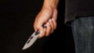 Annesine bıçakla saldırdı, eniştesi tarafından vuruldu