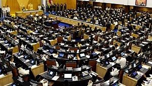 Bakanın eşcinsel ilişki yaşadığı iddiası ülkeyi karıştırdı