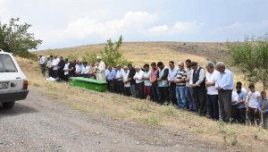Balkonda vurulan AK Parti'li meclis üyesi toprağa verildi
