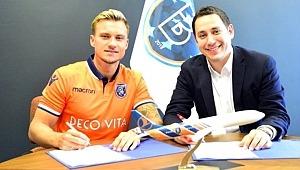 Başakşehir, yeni golcüsüyle 3 yıllık sözleşme imzaladı