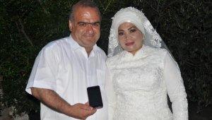 Böyle evlilik görülmedi... Ellerindeki telefon olmasa evlenemeyeceklerdi