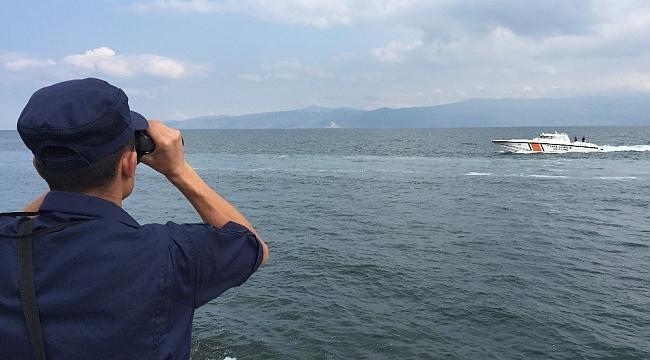 Bozulan tekneden denize atlamıştı, arama çalışmaları yeniden başladı