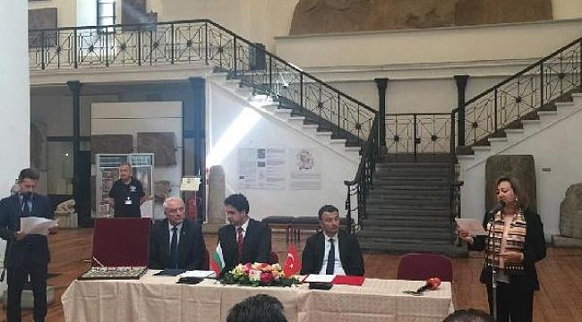 Bulgaristan, 63 tarihi eseri Türkiye'ye iade etti