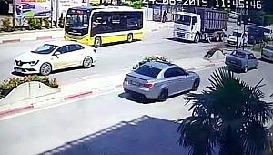 Bursa'da kamyonla çarpığı yaşlı adamın üzerinden geçti, son anda fark etti!