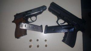 Bursa'da çok sayıda tabanca ve uyuşturucu ele geçirildi - Bursa Haberleri