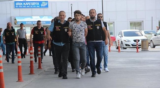 Cinayet şüphelisi 5 şahıs tutuklandı
