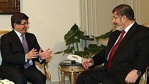 Davutoğlu, Mursi'nin ölümüne sessiz kalmadı