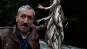 Derede balık avlarken akıma kapılan memur öldü