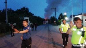 Fabrikada yangın çıktı... İşçiler tahliye edildi