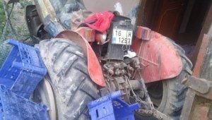 Freni boşalan traktör 2 yaşındaki çocuğa çarptı - Bursa Haberleri