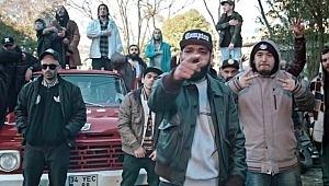 Grup üyeleri, ünlü rapçinin evini bastı, O anları canlı yayınladı