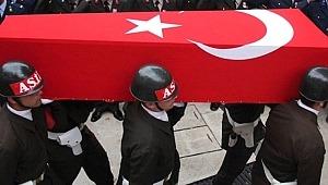 Hakkari'den kahreden haber! PKK'lı teröristlerle çıkan çatışmada bir askerimiz şehit oldu