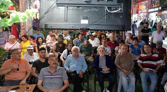 İstanbul'da hayat durdu neredeyse! İstanbullu vatandaşlar Binali Yıldırım ve İmamoğlu ortak yayınına kilitlendi