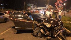 Kazada ölümden dönen sürücü, otomobili bırakıp kaçtı
