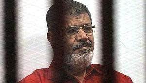 Korkunç iddia... Mursi'ye 20 dakika boyunca müdahale edilmedi