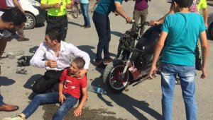 Motosiklet ile minibüs çarpıştı: 1'i ağır 2 yaralı - Bursa Haberleri
