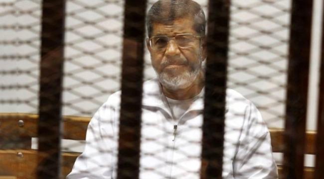 Muhammed Mursi,, mahkeme salonunda şehit oldu