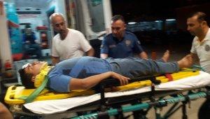 Otomobille çarpışan motosikletteki gençler yaralandı - Bursa Haberleri