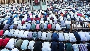 Ramazan Bayramı namazı saat kaçta? Bursa, Ankara, istanbul, izmir Bayram namazı saatleri? Bayram Namazı nasıl kılınır?