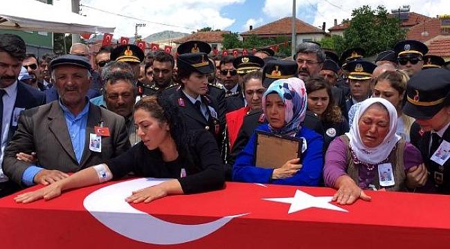Şehit Jandarma Teğmen Evran, toprağa verildi