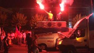 Servisçilerden tahdit kutlaması