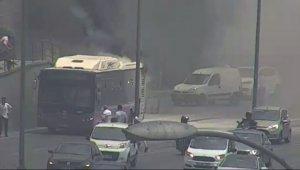 Seyir halindeki otobüs alev aldı, vatandaşlar müdahale etti