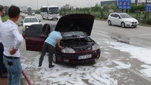 Seyir halindeki otomobil yandı - Bursa Haberleri