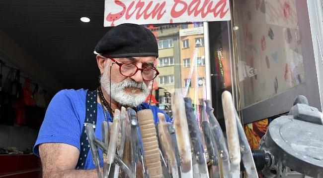 Sivas'ın 'Şirin Babası', 24 yıldır bıçak üretiyor