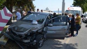 Sollamak istediği araca çarptı: 4 yaralı - Bursa Haberleri