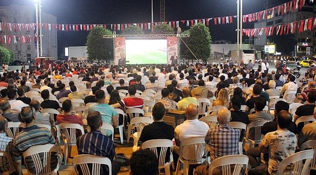 Taksim Meydanı'nda milli maç heyecanı
