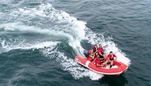 Tekneleri sürüklenince kaybolan Serdar Sincan'ı arama çalışmaları sürüyor - Bursa Haberleri