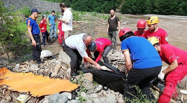 Trabzon'un Araklı ilçesindeki selde ölü sayısı 5'e yükseldi
