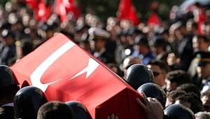 Türkiye'nin ciğeri yanıyor! Hakkari'den kahreden haber! 2 askerimiz şehit oldu, 1 askerimiz yaralandı