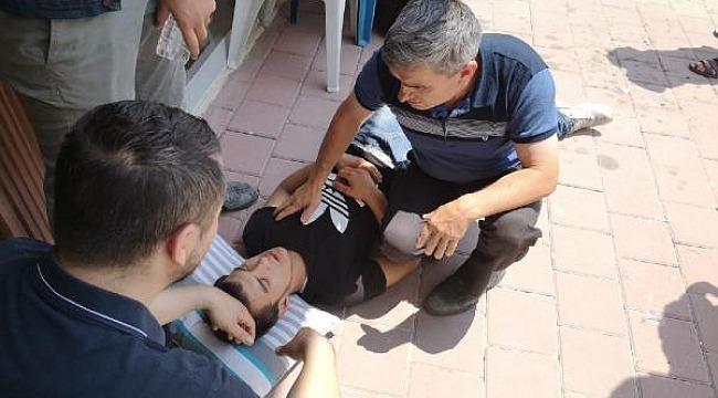 Yaralı motosiklet sürücüsünün başının altına yastık koydular - Bursa Haberleri