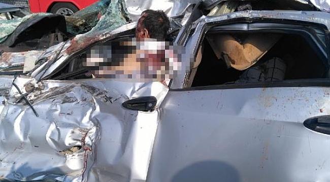 Zincirleme kazada karı-koca öldü, 3 yaralı