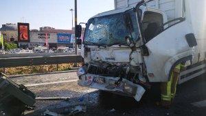 Zincirleme trafik kazası... Trafik yoğunluğuna neden oldu