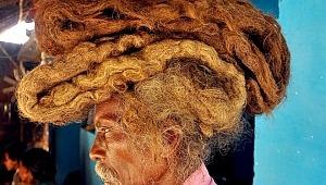 40 yıldır saçını ne yıkıyor ne de kesiyor... Sebebi şoke edici