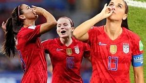 Alex Morgan'ın İngiltere'yi attığı gol sonrası sevincine tepki