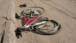 Bisikletiyle otomobile çarpan Kaan, yaşam mücadelesini kaybetti - Bursa Haberleri