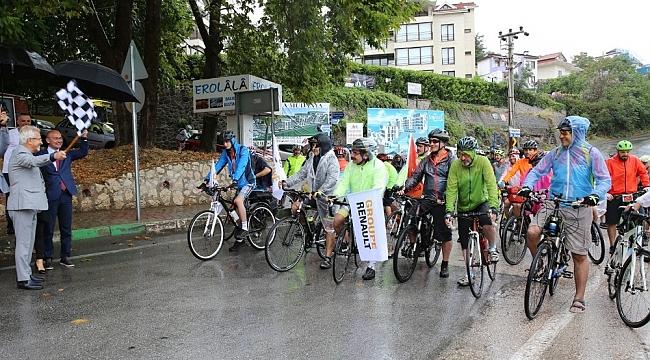 """""""Bisikletle Yüz Yıllık Macera""""da pedallar dönmeye başladı - Bursa Haberleri"""