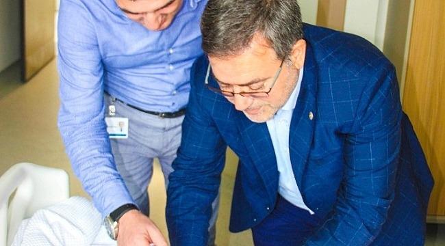 Bursa Şehir Hastanesi'nin ilk bebeğine hediye - Bursa Haberleri